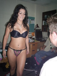 AMATEUR-STRIPPER-WITH-MEATY-LABIA-y700bsda7c.jpg