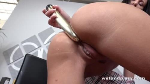 Teens Pissing, Pee, Urina Video 3734