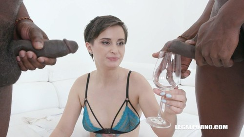 Lola Ferrari Gets Fucked Drinks African Champagne For The First On Camera Iv436 [HD]