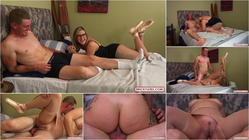 Red August Ballerina Gets Her Ass Stretched [FullHD 1080P]