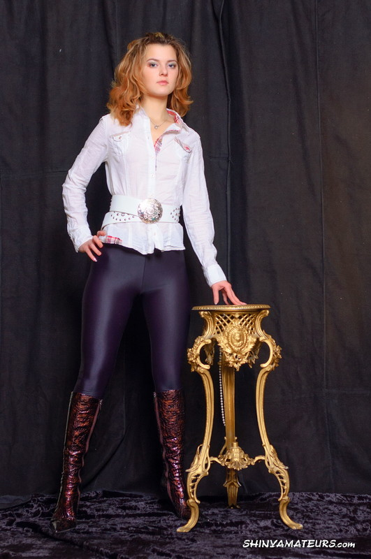 russian lady Jenya in sexy pants & leather boots