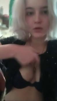 Snapchat girl blondesdoitbetter - Snapchat Videos