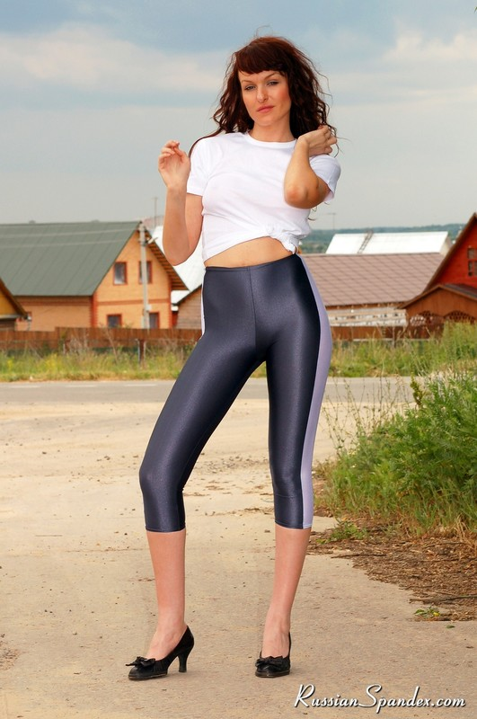 amazing russian babe in capri leggings & high heels