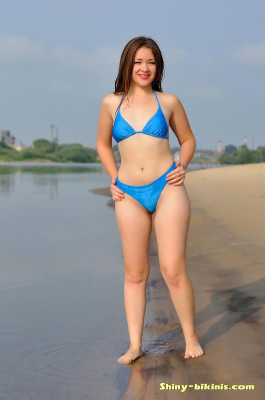 wet russian babe Dina G in blue bikini