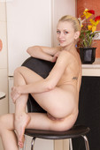 Sonia - Sexy Lunch   (x128)