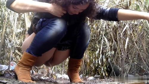 Girls Caught When Peeing Outdoor. 17 Clips.