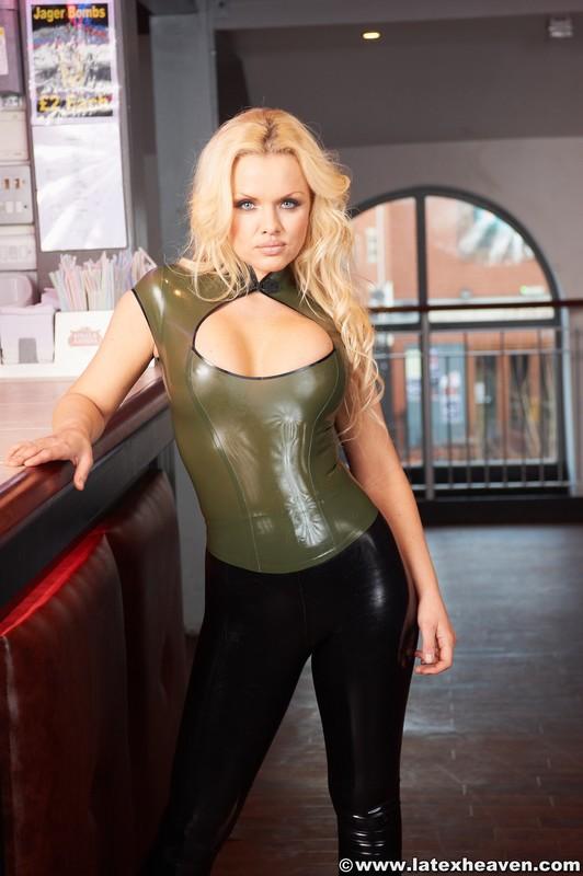 blonde waitress Francesa in shiny rubber leggings
