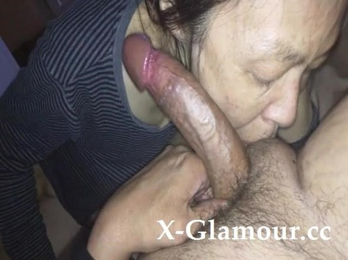Mature Chinese Milf Takes Her Time Sucking A Big Cock [SD]