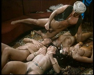 Julia Channel, Pussycat, Simona Valli, Tabatha Cash, Andrea Nobili - Erotic Adventures of Aladdin X sc5