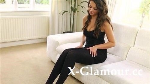 Amateurs - Brunette In Tights Slowly Stripping (HD)