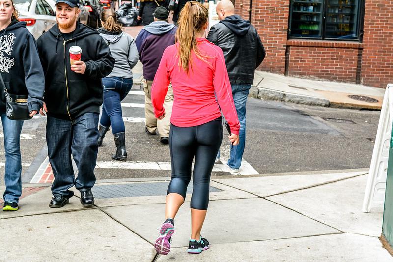 jogger milf booty in capri leggings