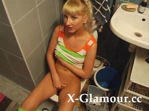 Amateurs - Blonde Teen Masturbates And Sucks A Hard Cock On The Toilet (SD)
