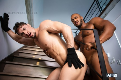 MEN - A Hump In The Night: Jason Vario & Skyy Knox Bareback (Oct 16)