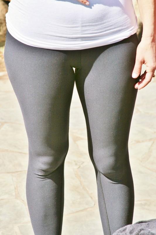 sporty milf in black leggings