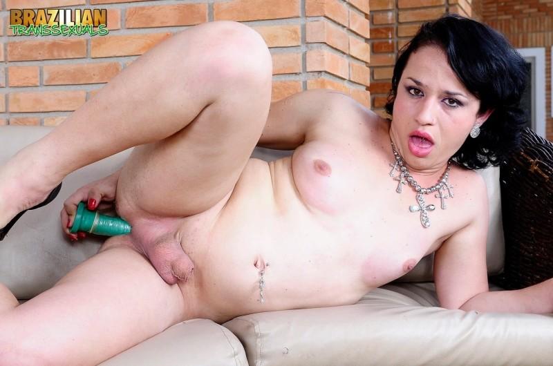 [Brazilian-Transsexuals] Myrela Kadory - Myrela Kadory Plays With A Dildo! Remastered Version [HD...