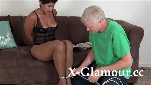 Amateurs - Ebony Mature Getting Tied Up And Ball-Gagged [HD/720p]