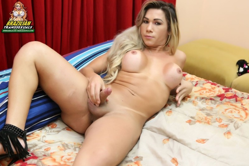 [Brazilian-Transsexuals] Amanda Melo - Pretty Amanda Melo Cums! Remastered Version [HD, 1080p]