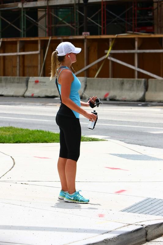 blonde jogger chick in capri leggings
