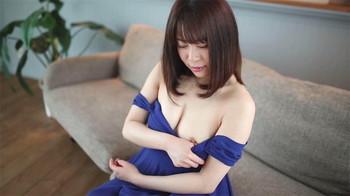 日本中字-蓝裙小姐姐很极品啊!白嫩皮肤,优雅迷人内射
