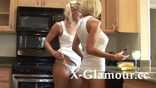 "Amateurs in ""Lesbian Food Play"" [HD]"