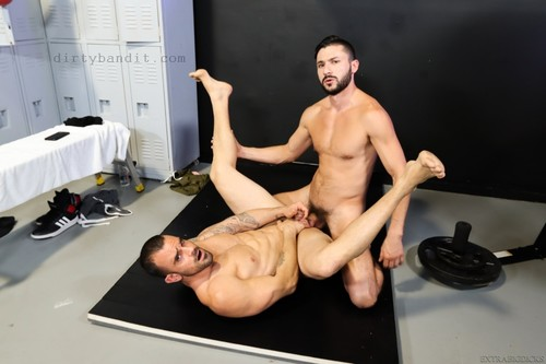ExtraBigDicks - Pounded By Big Dicked Boxer: Damien Crosse, Scott Demarco Bareback (Nov 26)
