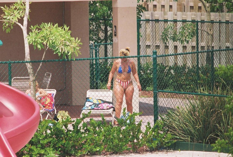 curvy neighbor milf in her patriotic bikini