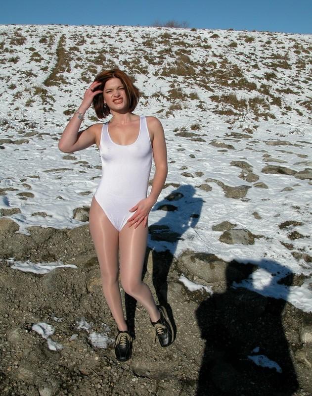 winter girl Estelle in pantyhose & white leotards