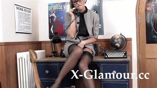 Office Solo Posing With A Vintage-Looking Milf [SD]