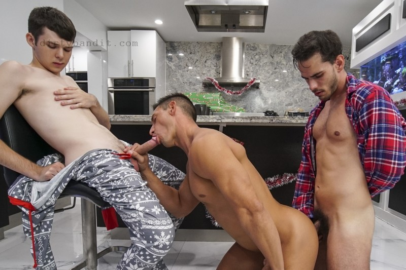 FamilyDick - Unwrapping Our Christmas Present: Dakota Lovell, Gabriel, Jax Thirio Bareback (Dec 26)