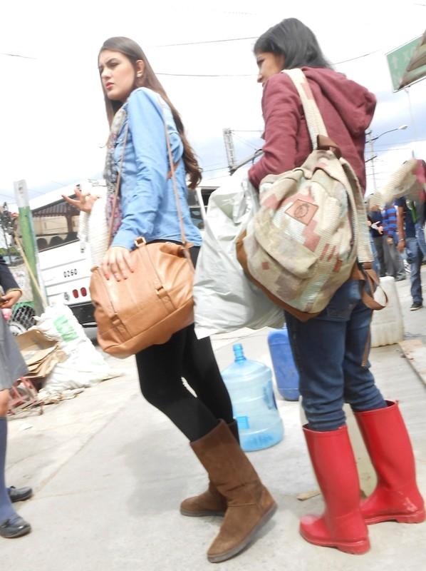 lustful teen in black leggings & ugg boots