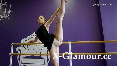 Naked Gymnast 2020-11-13 [SD]