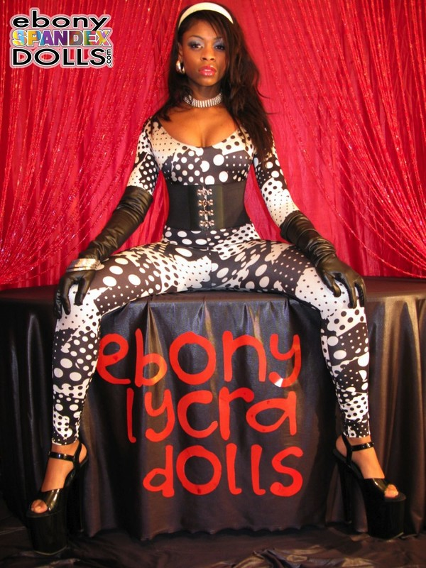 ebony woman Peaches in catsuit & high heels