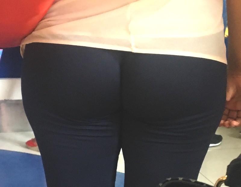 perfect milf ass in tight black leggings