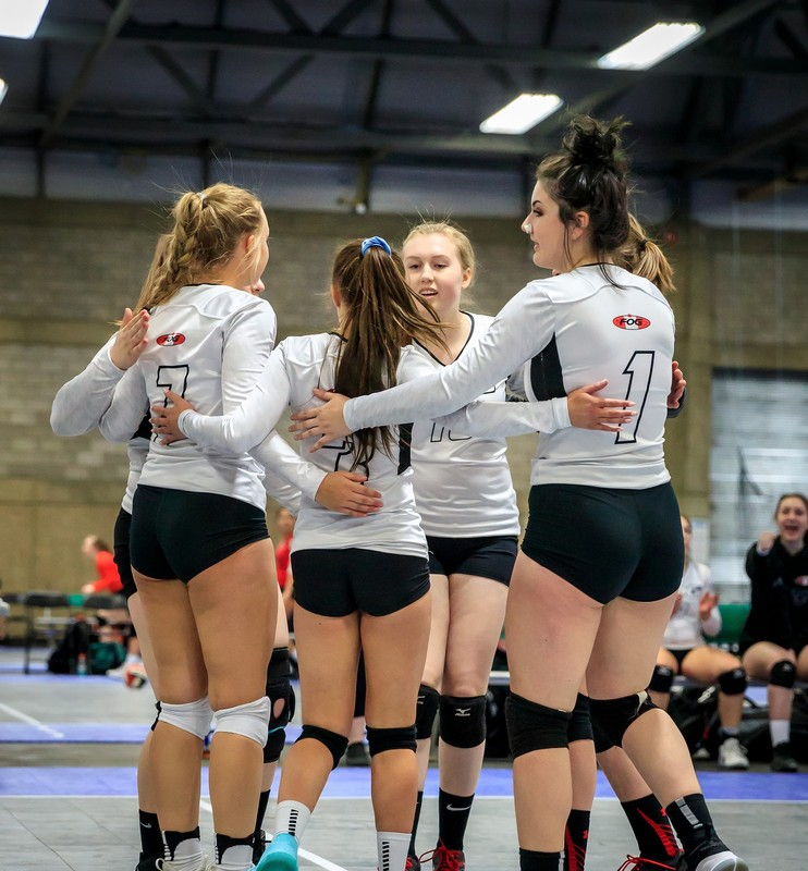 volleyball babes in tight spandex