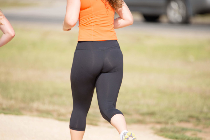 fit milf booty in candid black yogapants