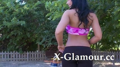 Kyra Hot - Budapest Chick Shows Her Perky Ass (SD)