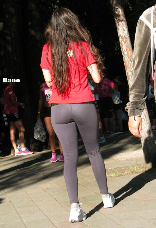 gorgeous promo girls in yoga pants