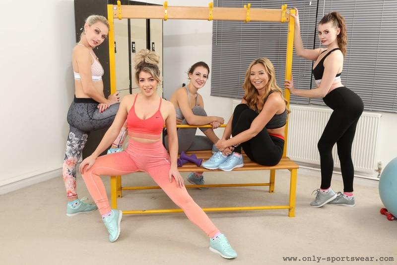 lesbian girls Tillie & Brook L & Chloe Toy & Scarlot Rose & Natalia Forrest gym cosplay pics