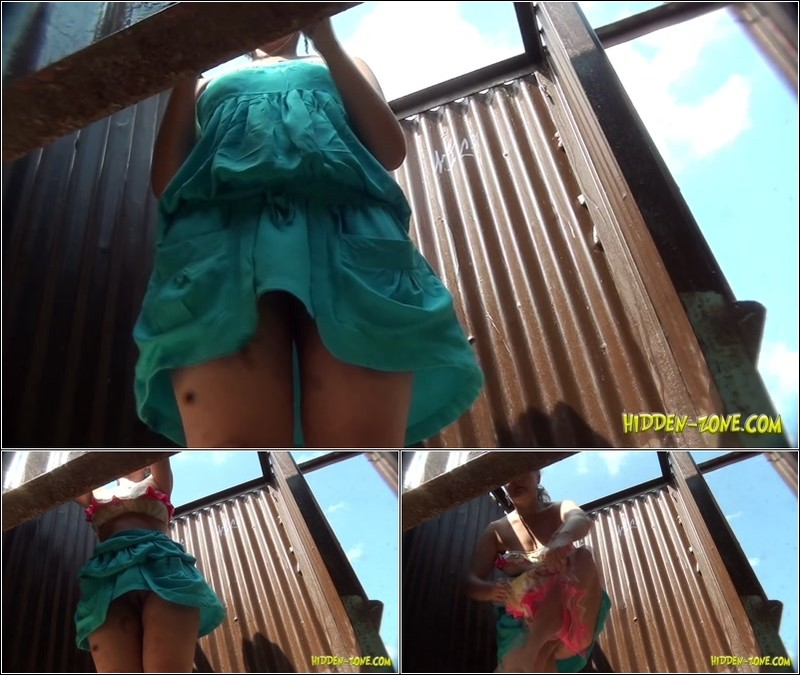Beach Cabin-Voyeur Video 3211