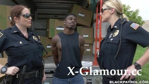 Maggie Green - Black Suspect Taken On A Rough Ride, Gets Horny Milf Cops Wet And Fucking On Stolen Goods [FullHD/1080p]