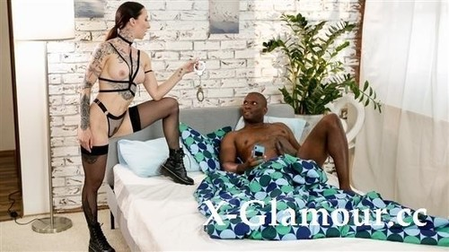 Kinky Alt Babe Handcuffs Boyfriend [HD]