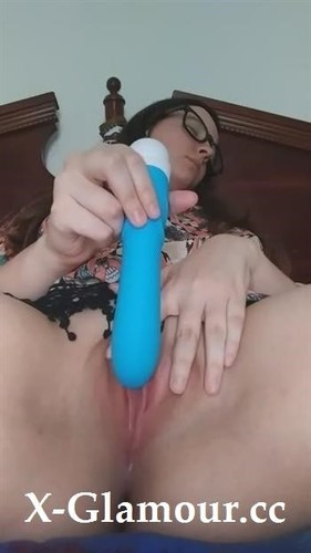 See Me Cum With A Vibrator Close Up While Talking Dirty [SD]