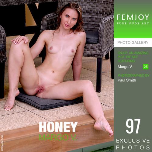 Margo V in Honey (2021-01-30)