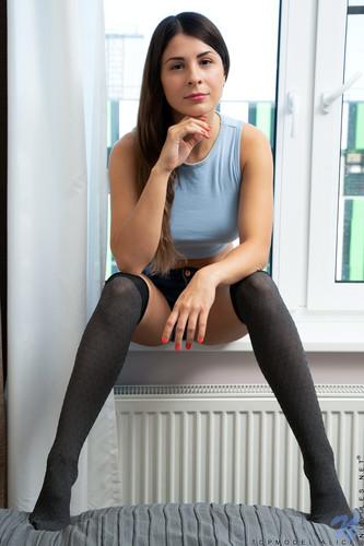 Nubiles 2020 10 27 Topmodel Alice Aim To Please