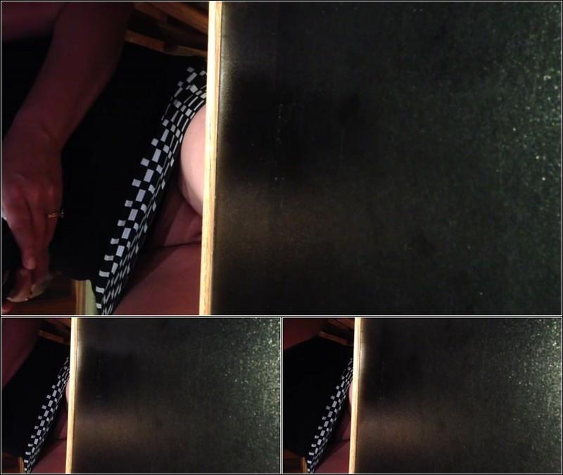 Upskirt No Panties 4318