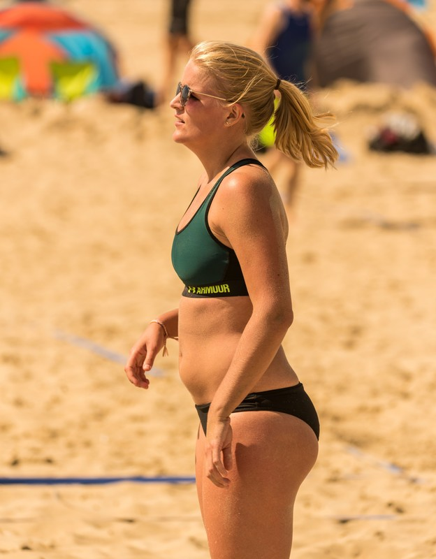 charming beach volleyball girls candid spandex album