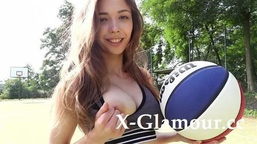 Milla Basketball Star [SD]