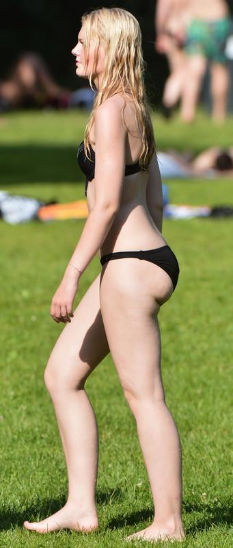 city park girls naughty bikini photos