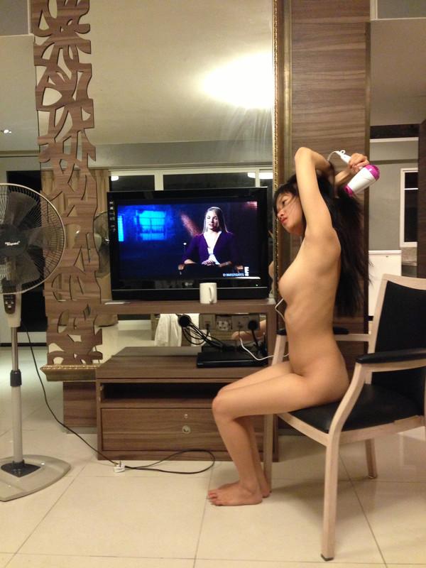 ex girlfriend nude pics