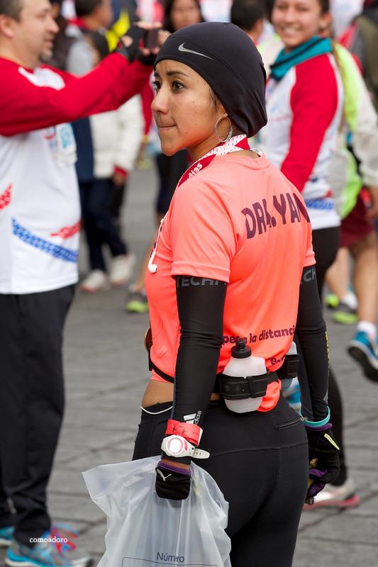 lovely marathon girl in sexy nike leggings